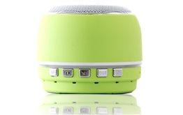 Niewielki zielony Głośnik Bluetooth Orllo DF-B07 z Radiem FM oraz wejściem mini jack o mocy 3W z antypoślizgową podstawką.